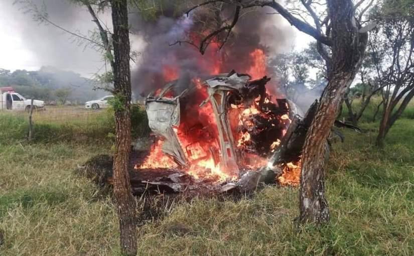 Se volcó e incendió una camioneta, murió elconductor