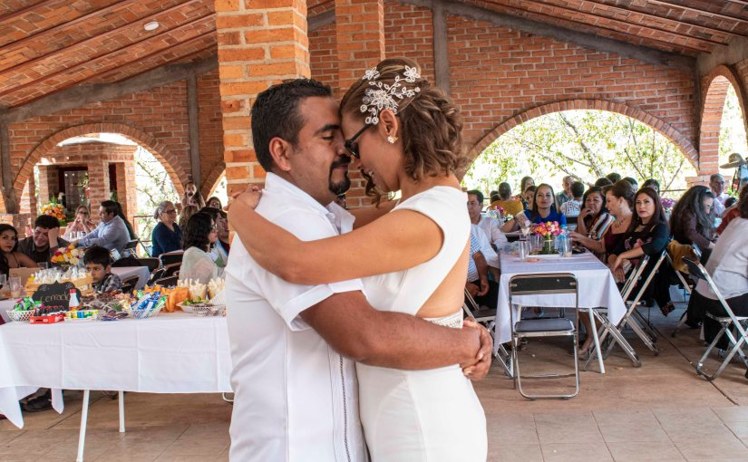 Se casan por lo civil Verónica Rodríguez y AgustínJacobo